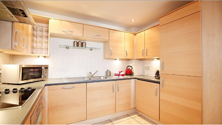 Spacious kitchen in Priory Place Apartments - Citybase Apartments