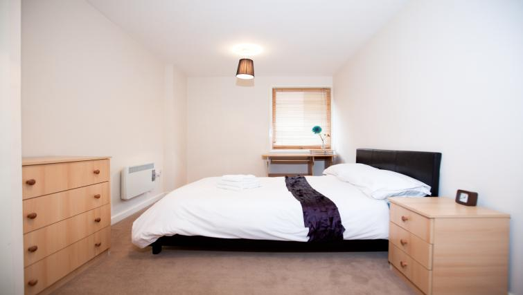 Bed at Priory Place Apartments - Citybase Apartments
