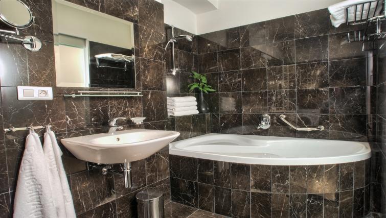Bath at Residence Rybna Apartments - Citybase Apartments