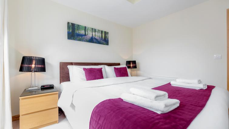 Bedroom at Westnye House Apartment - Citybase Apartments