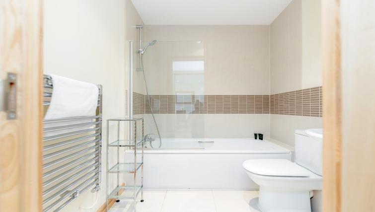 Bathroom at Westnye House Apartment - Citybase Apartments