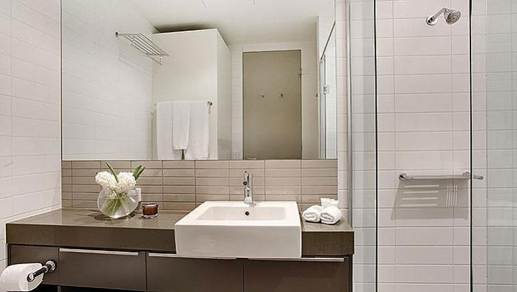 Exclusive bathroom in Caroline Serviced Apartments - Citybase Apartments