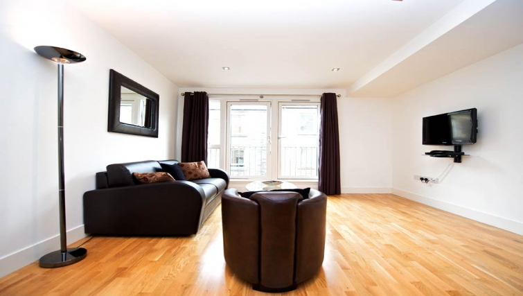 Spacious living area in Staycity Edinburgh West End - Citybase Apartments
