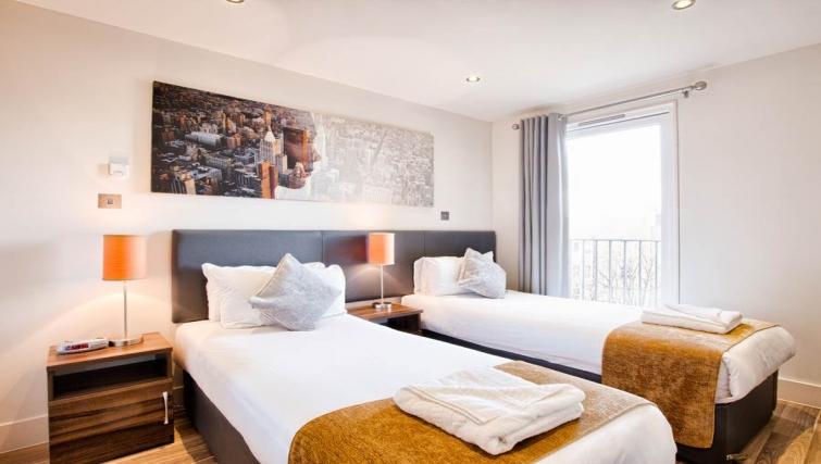 Spacious bedroom in Staycity Edinburgh West End - Citybase Apartments