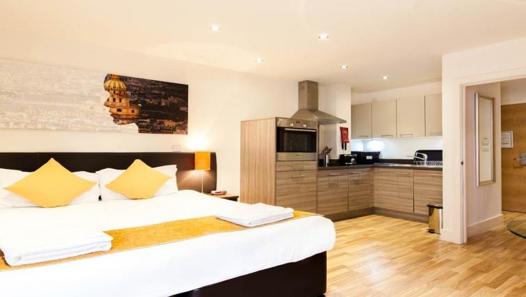 Spacious studio apartment in Staycity Edinburgh West End - Citybase Apartments