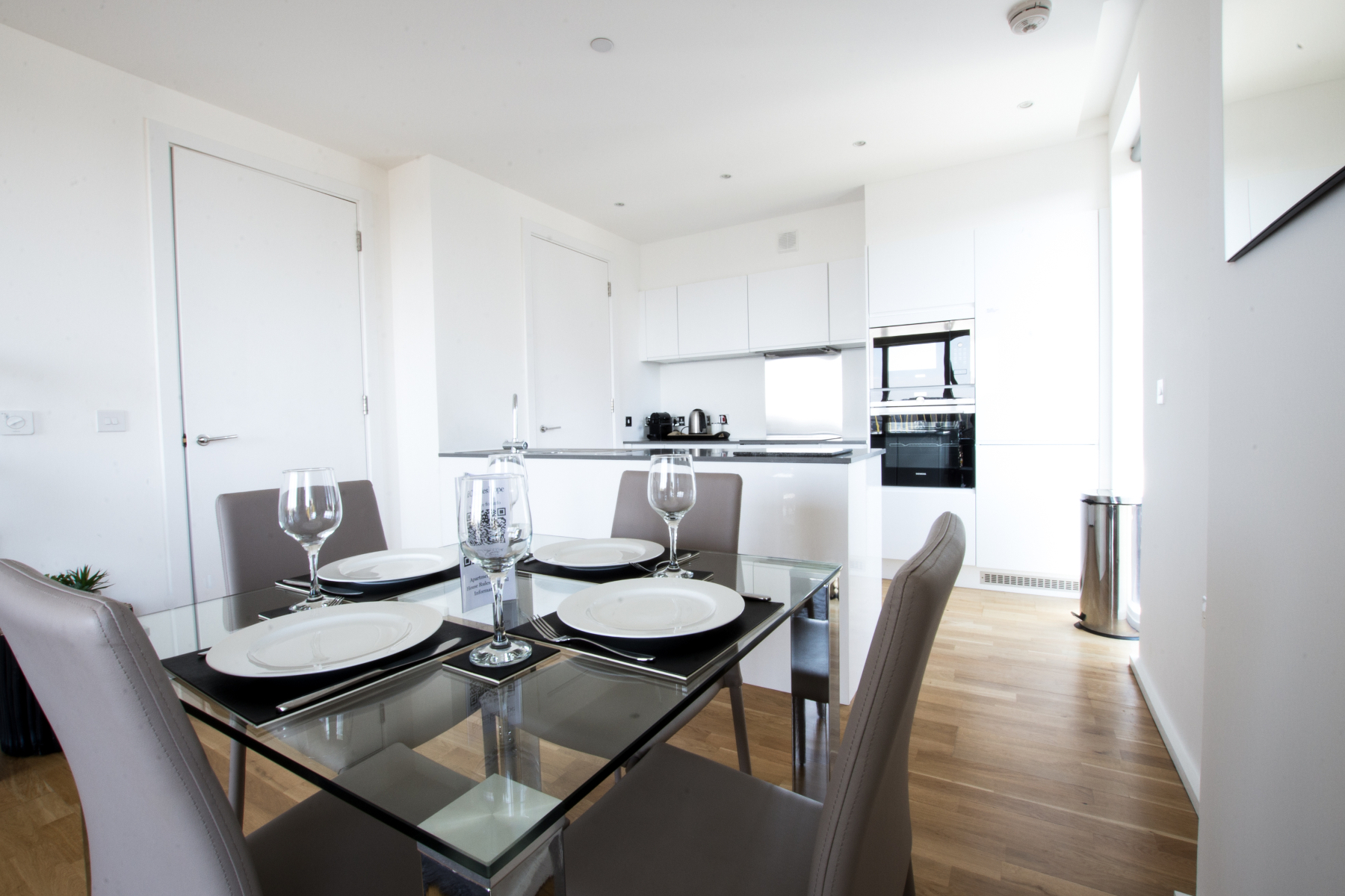 Kitchen at Millharbour Apartments, Isle of Dogs, London - Citybase Apartments