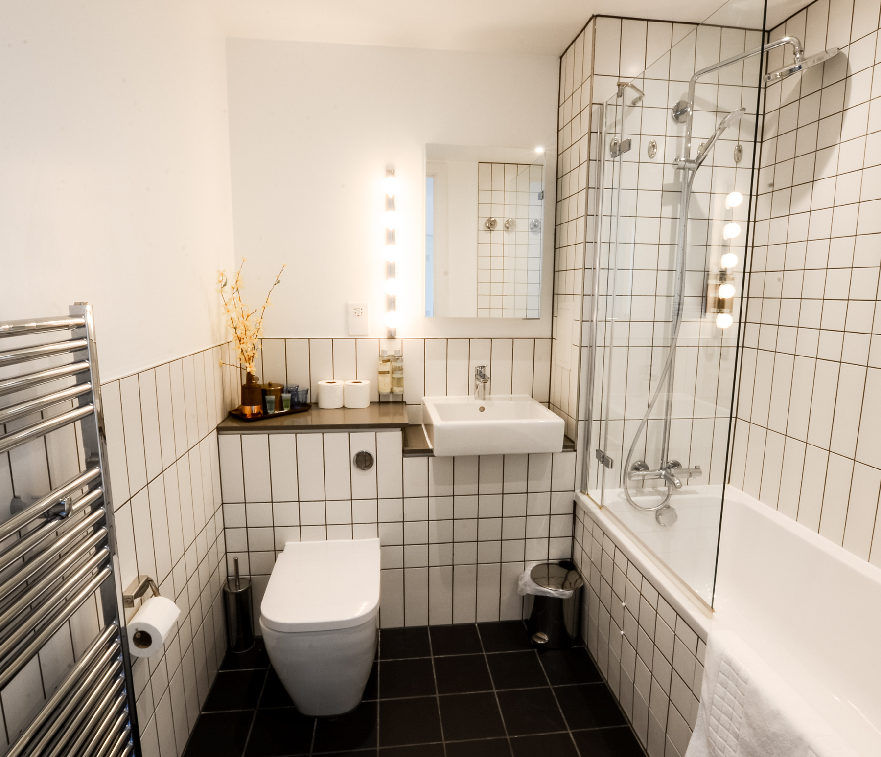 Bathroom at Millharbour Apartments, Isle of Dogs, London - Citybase Apartments
