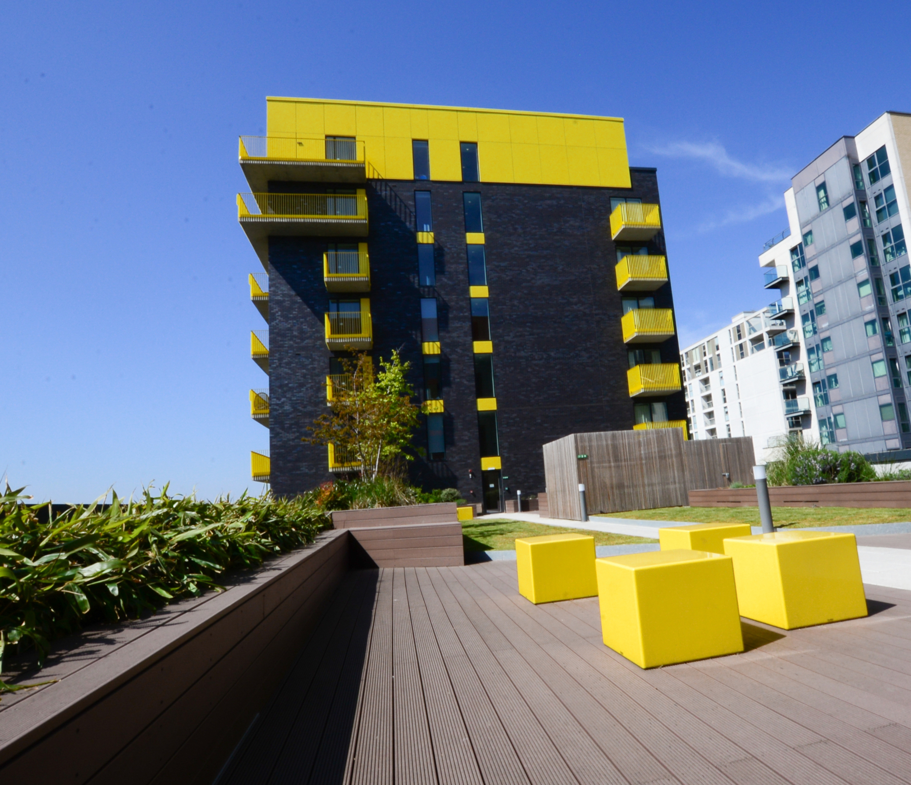 Roof terrace at Millharbour Apartments, Isle of Dogs, London - Citybase Apartments