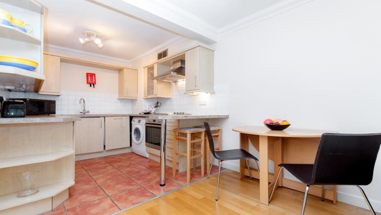 Equipped kitchen at King Regents Place Apartments - Citybase Apartments