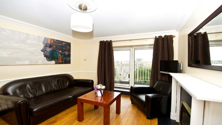 Bright living area in Staycity Dublin Christchurch - Citybase Apartments