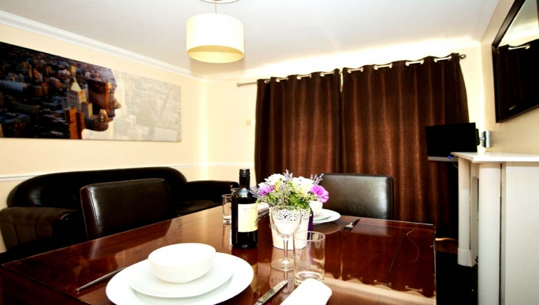 Stylish dining area in Staycity Dublin Christchurch - Citybase Apartments