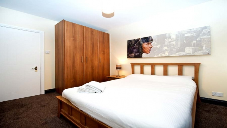 Large bedroom in Staycity Dublin Christchurch - Citybase Apartments