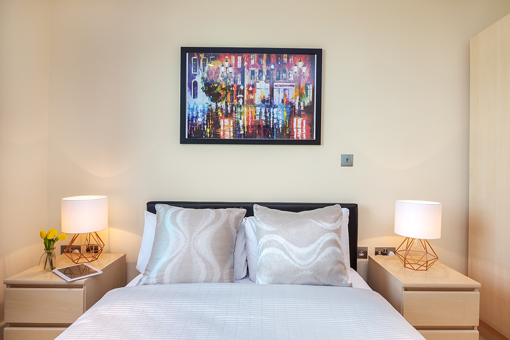 Double bed a St George's Wharf Serviced Apartments - Citybase Apartments