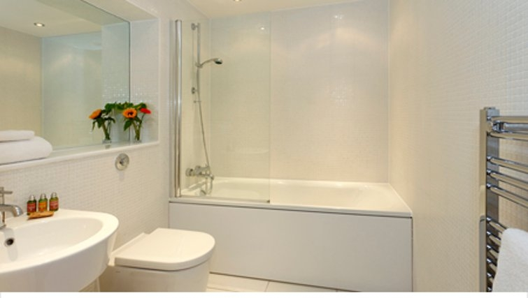Pristine bathroom in SACO Canary Wharf Trinity Tower - Citybase Apartments