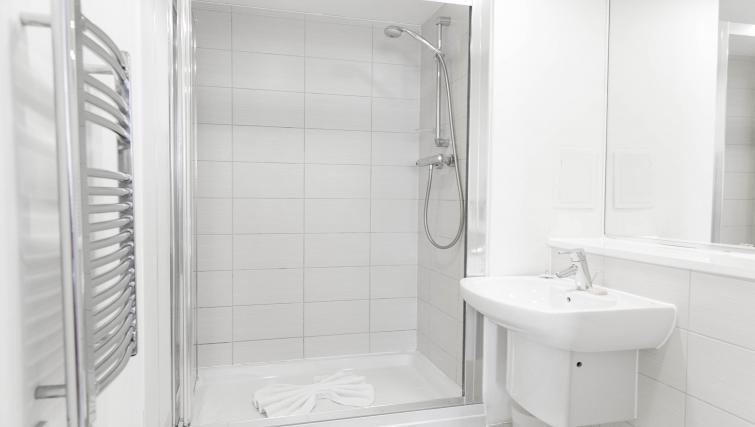 Bathroom at The Atrium Apartments - Citybase Apartments