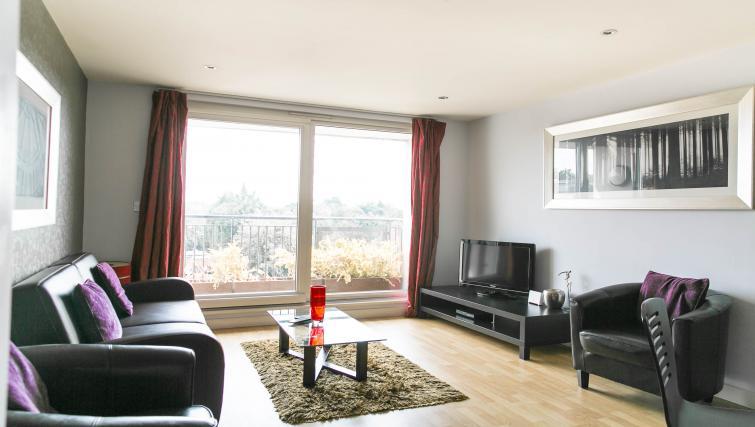 TV at The Atrium Apartments - Citybase Apartments