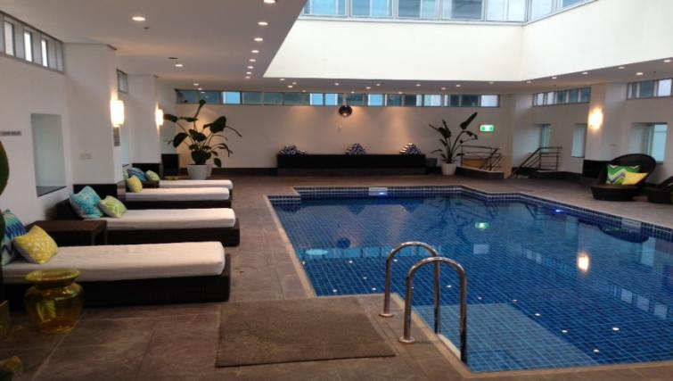 Swimming pool at The Como Melbourne Apartments - Citybase Apartments