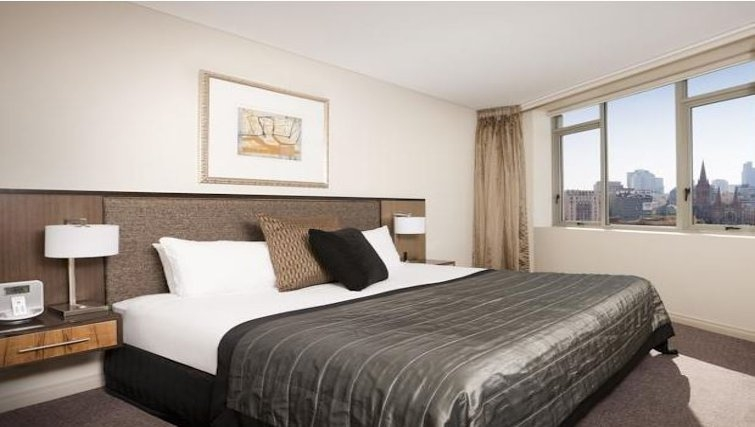 Bedroom in Quay West Suites Melbourne - Citybase Apartments