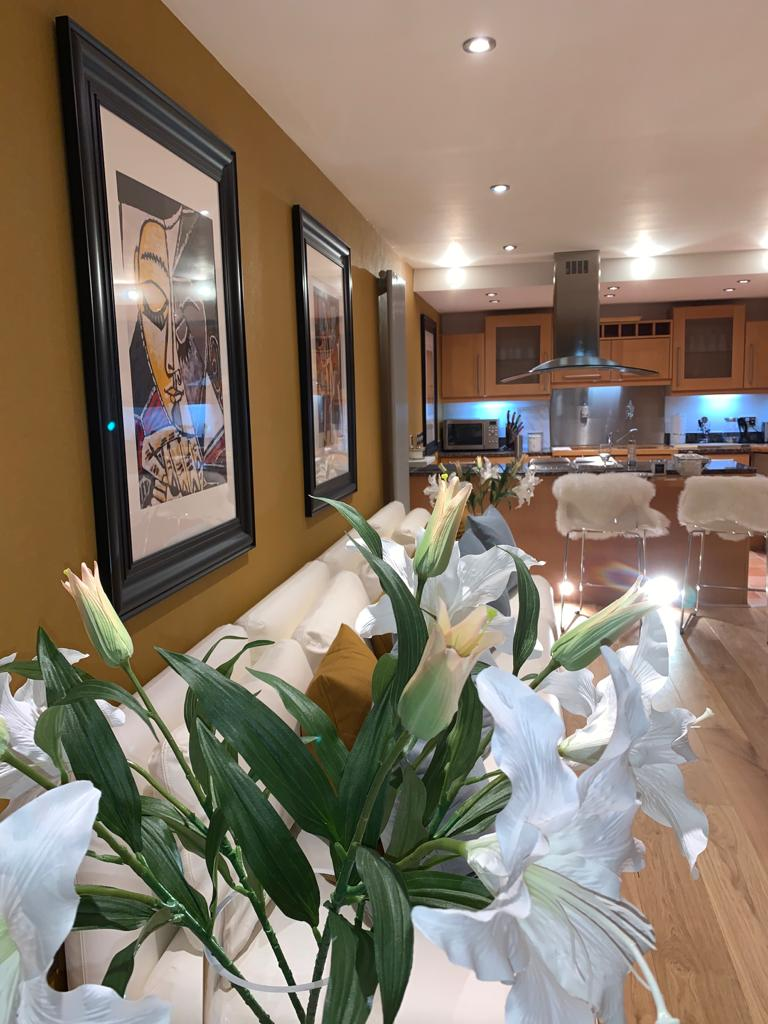 Flowers at Millharbour Apartment, Canary Wharf, London - Citybase Apartments