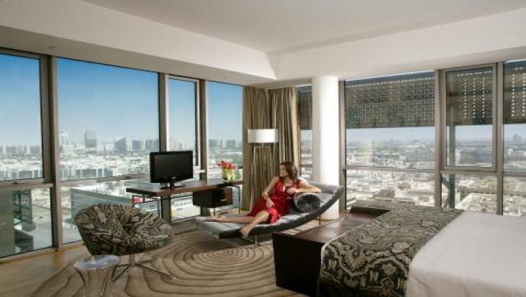 Luxurious bedroom in BurJuman Arjaan Apartments - Citybase Apartments