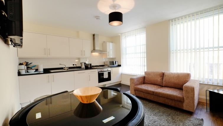 Dining area in Hanbury Street Apartments - Citybase Apartments
