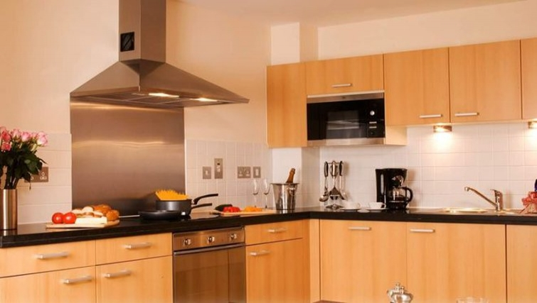 Well equipped kitchen in Marlin Canary Wharf Apartments - Citybase Apartments