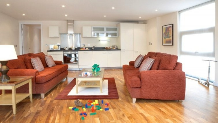 Ideal living area in Marlin Canary Wharf Apartments - Citybase Apartments
