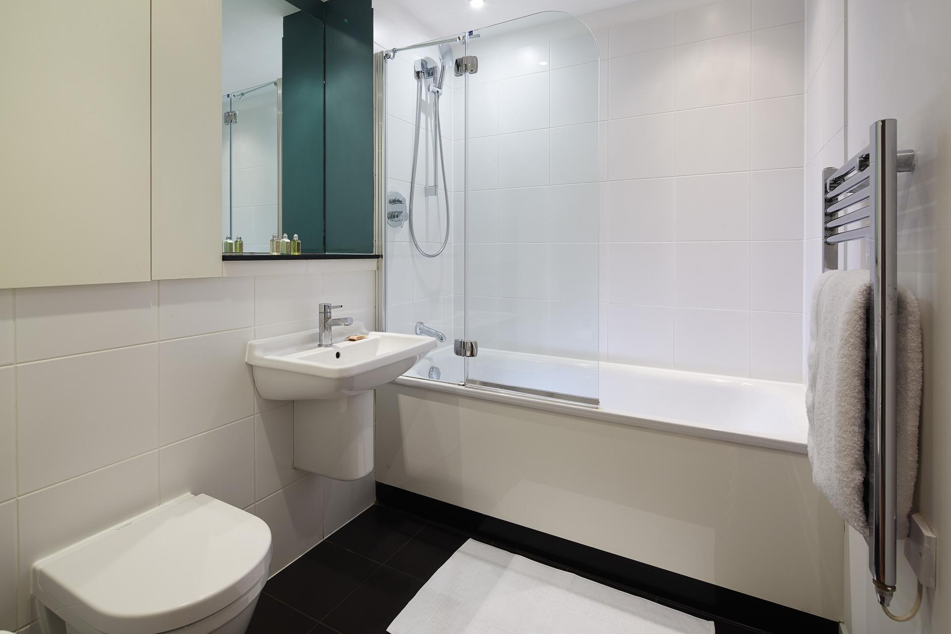 Bathroom at Marlin Canary Wharf Apartments, Canary Wharf, London - Citybase Apartments