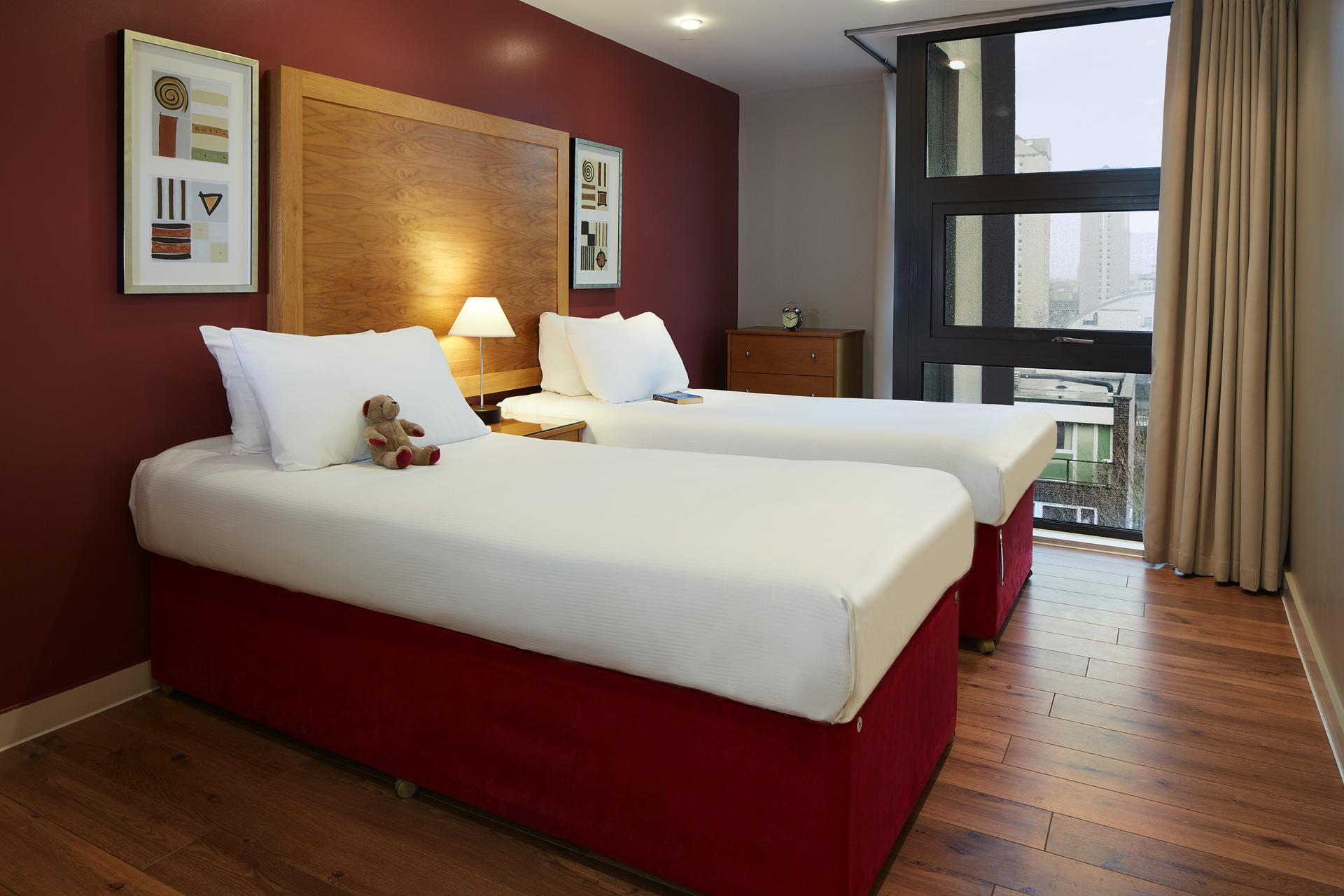 Beds at Marlin Canary Wharf Apartments, Canary Wharf, London - Citybase Apartments
