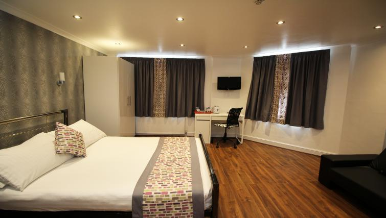 Double bedroom at Croydon High Street Apartments - Citybase Apartments