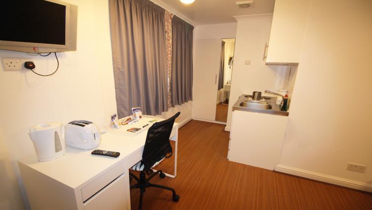 Work desk at Croydon High Street Apartments - Citybase Apartments