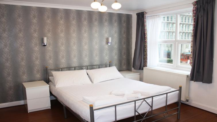 Warm bedroom in Croydon High Street Apartments - Citybase Apartments