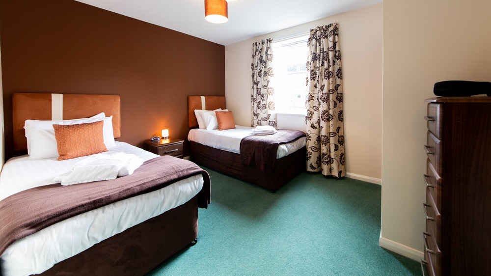 Twin beds at The Spires Aberdeen - Citybase Apartments