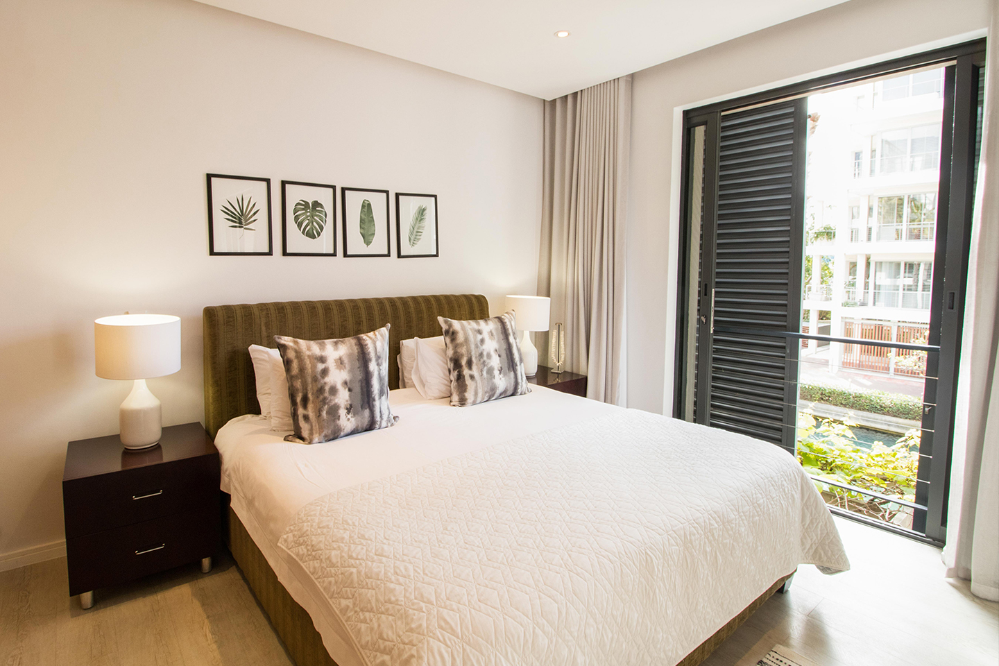 Bedspread at Waterfront Village - Citybase Apartments