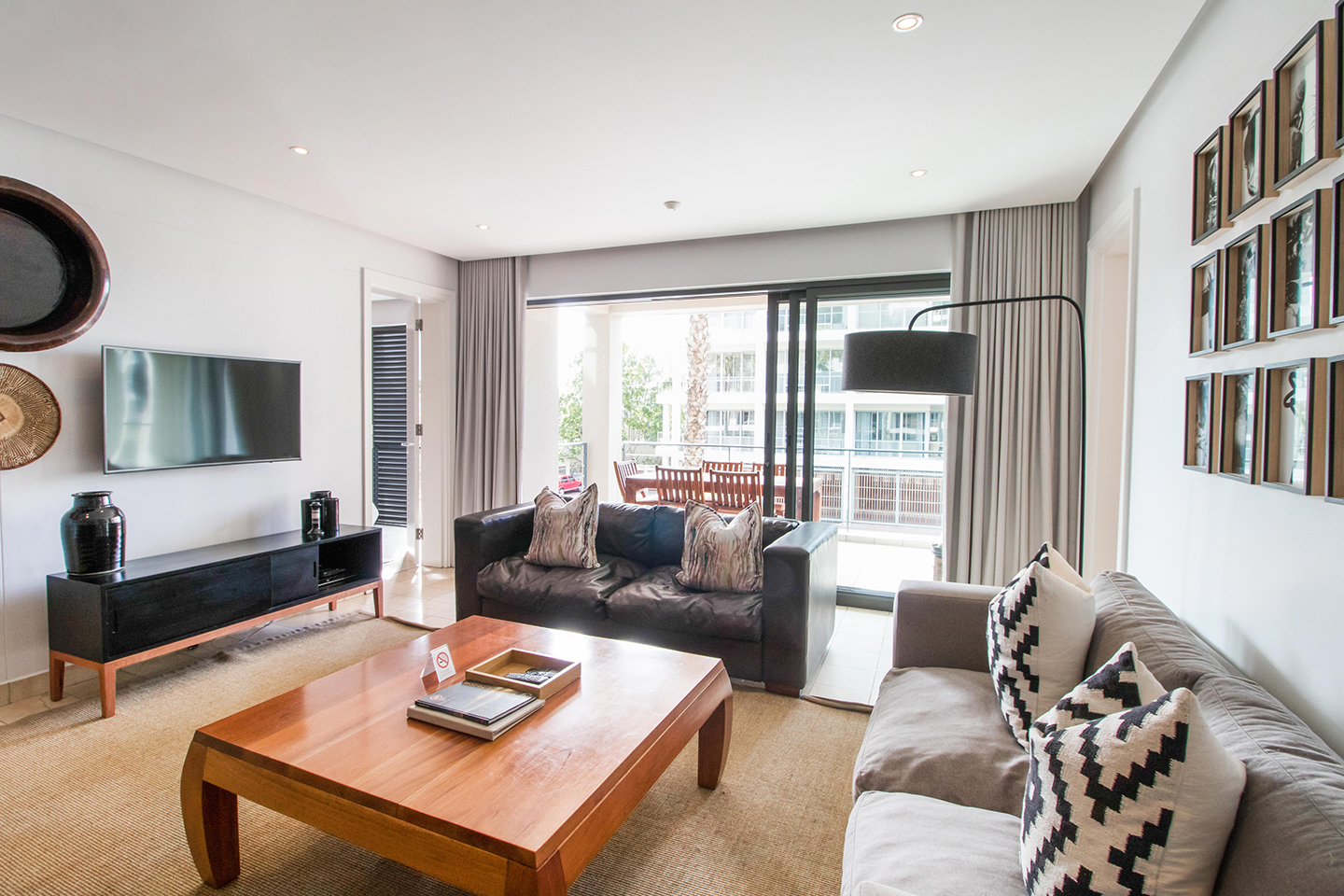 Table space at Waterfront Village, Waterfront, Cape Town - Citybase Apartments