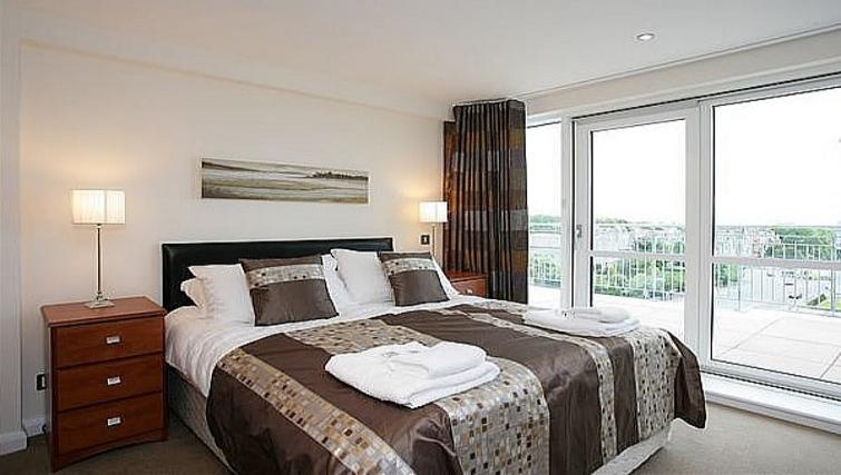 Bedroom at Kepplestone Manor - Citybase Apartments