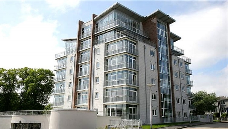 Grand exterior of Kepplestone Manor - Citybase Apartments