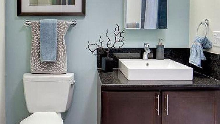 Bathroom at 200 Squared - Citybase Apartments
