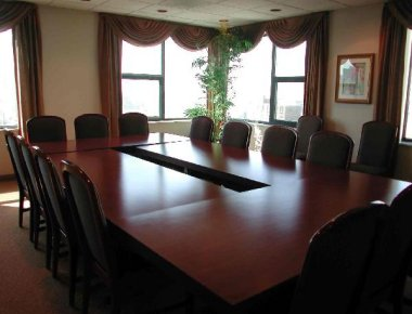 Stylish meeting room in West Huron Street Apartments - Citybase Apartments
