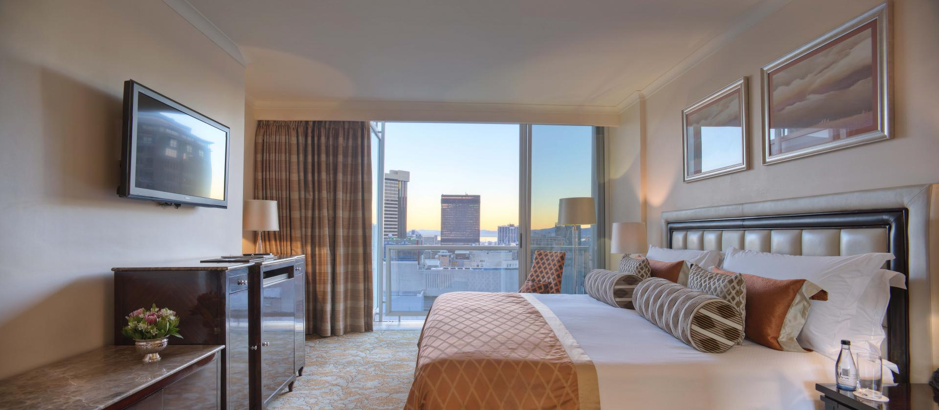 Bedroom Tower City View at Taj Cape Town, Centre, Cape Town - Citybase Apartments