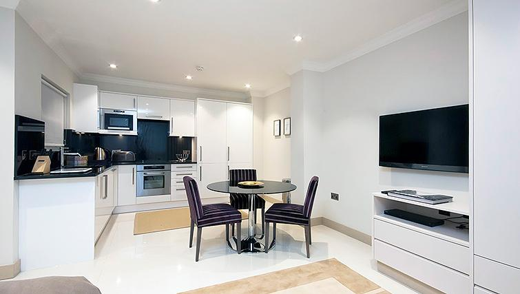Dining area at Claverley Court Apartments - Citybase Apartments