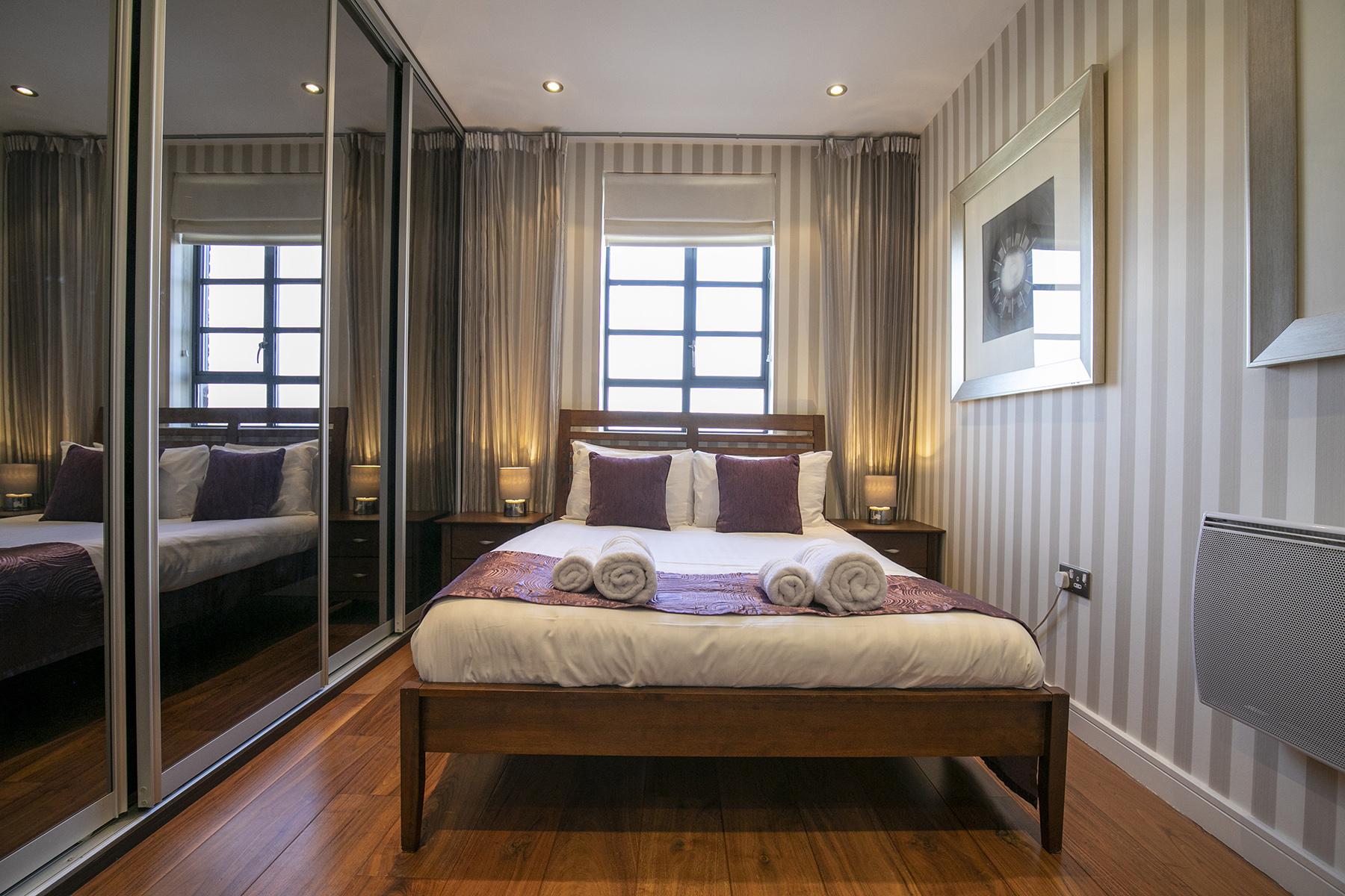 Sleep at Wallis Square Apartments, Centre, Farnborough - Citybase Apartments