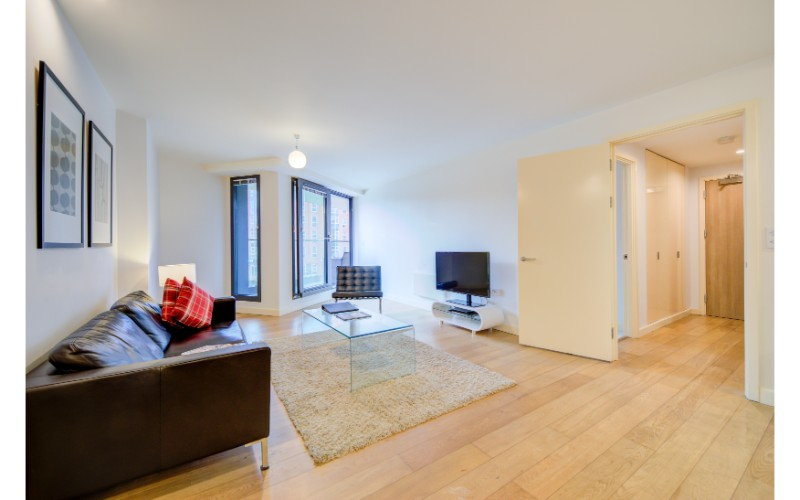 Spacious living area at Finzels Reach Apartments - Citybase Apartments