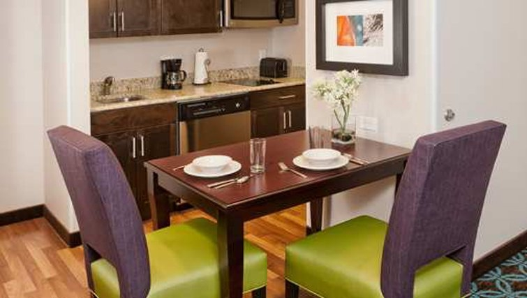Stylish dining area in Homewood Suites Boston/Canton - Citybase Apartments