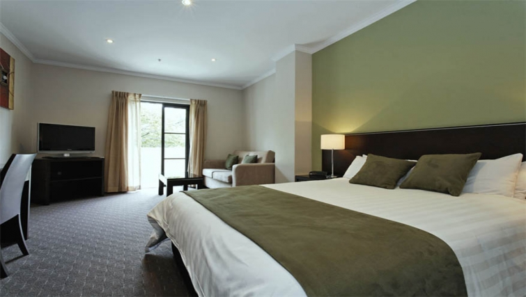 Spacious bedroom at Mantra on Frome - Citybase Apartments