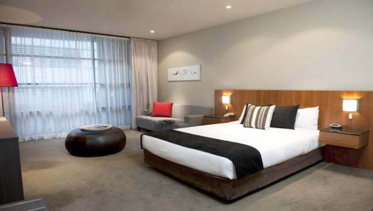 Double bedroom at Mantra Hindmarsh Square - Citybase Apartments