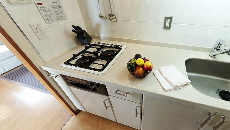 Simple kitchen in Oakwood Apartments Roppongi Central Tokyo - Citybase Apartments