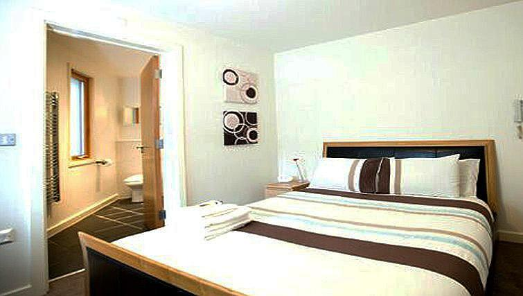 Double bedroom at Fairfax Street Apartments - Citybase Apartments