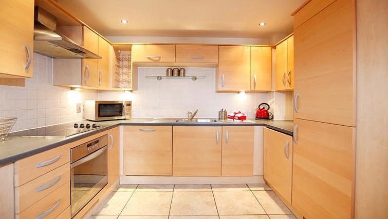 Kitchen at Fairfax Street Apartments - Citybase Apartments