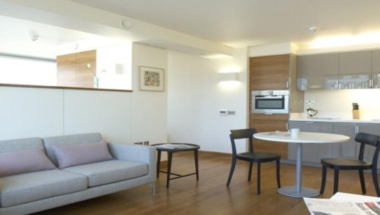 Outstanding dining area in Turnmill Street Apartments - Citybase Apartments